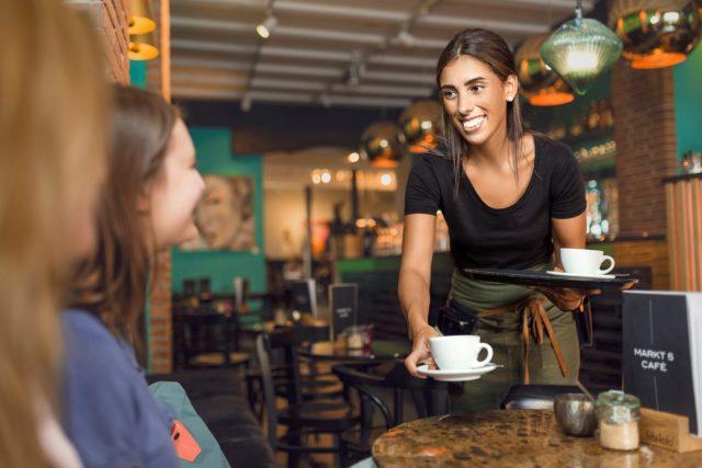 Markt 5 Café- Bedienung im Cafébereich